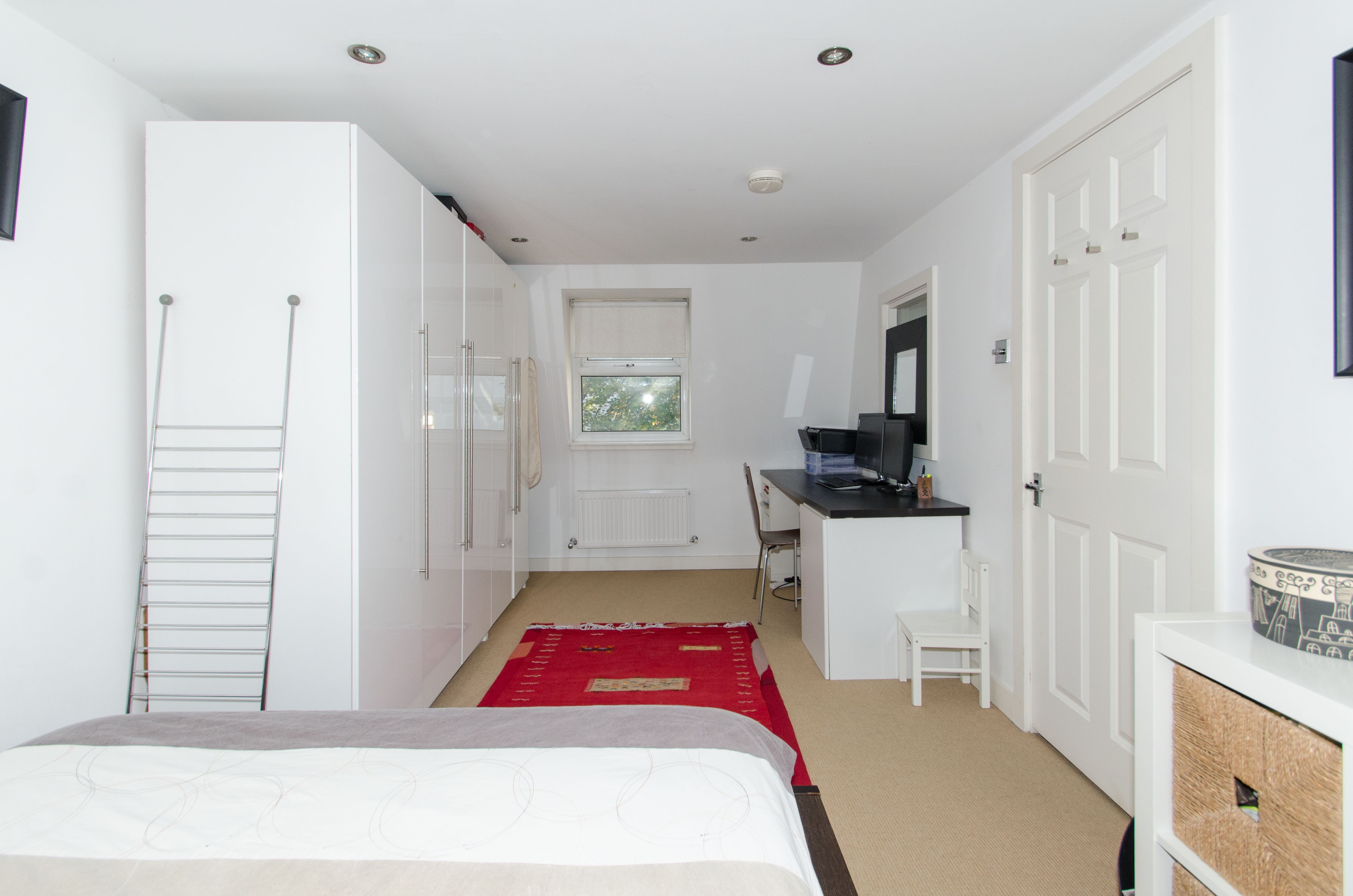 master-bedroom..
